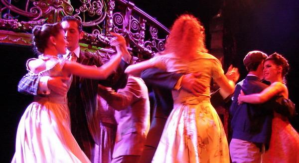 Esquina Carlos Gardel Tango Show Tango dancers